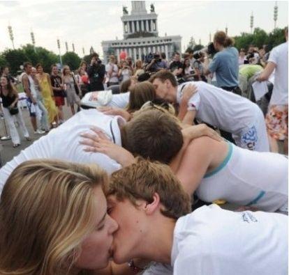 接吻具体步骤图片