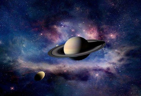 据国外媒体报道,来自土星探测器的最新分析结果,斯坦福大学的科学家们对土星最大的卫星土卫六进行地形与引力场的探索,表明土卫六冰壳体是之前认为的两倍。图中描绘了由艺术家对土星和土卫六的构思,形象地描绘出土卫六在土星强大潮汐力作用下产生的影响。很早之前,科学家们就怀疑土卫六地壳下存在液态水的海洋,本项最新研究也暗示了土卫六存在内部热源,导致内部的某个深层区域并不是冰冻的环境,温度较为适宜。  艺术家绘制的土卫六在土星引力的作用下出现夸张的变形效果图   来自斯坦福大学地球物理学教授霍华德泽伯克(Howard