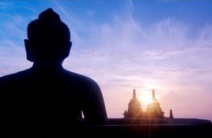 印尼爪哇岛:日出时的婆罗浮屠