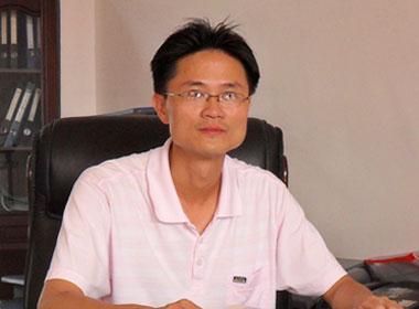平海中学校长古志茂:为学生的未来奠定扎实的基础