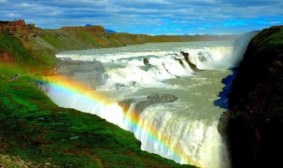壁纸 风景 旅游 瀑布 山水 桌面 555_331