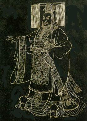 秦代汉服主要承前朝影响,仍以袍为典型服装样式,分为曲裾和直裾两种