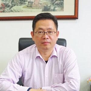 潘一兵 江蘇省常熟中學校長